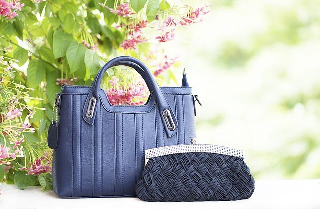 modré kabelky