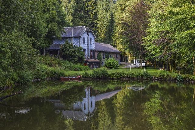 dům u rybníku