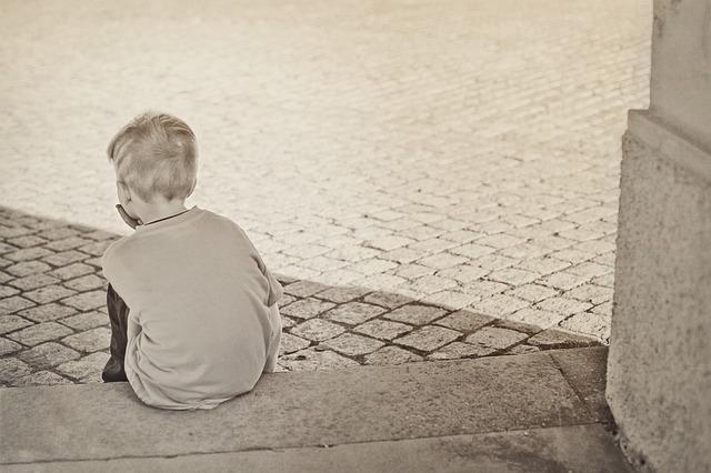 osamělý chlapec
