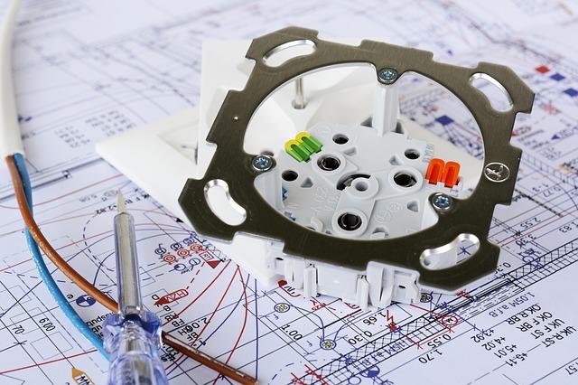 elektro projekt, strojek